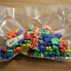 Lier - workshop - knutselen - creatief met kinderen - Fun-Shop - foam - halsketting - armband - sleutelhanger - iphone - gsm